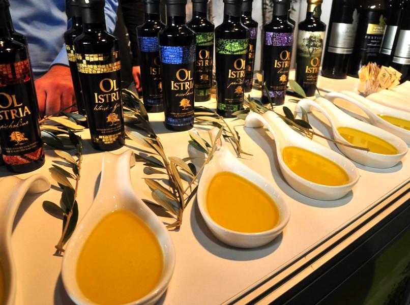 оливковое масло их Хорватии