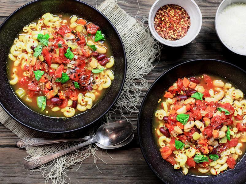 Вегетарианская паста фаджоли с оливковым маслом
