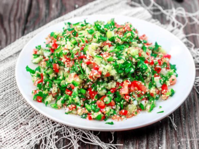 Салат табули с оливковым маслом