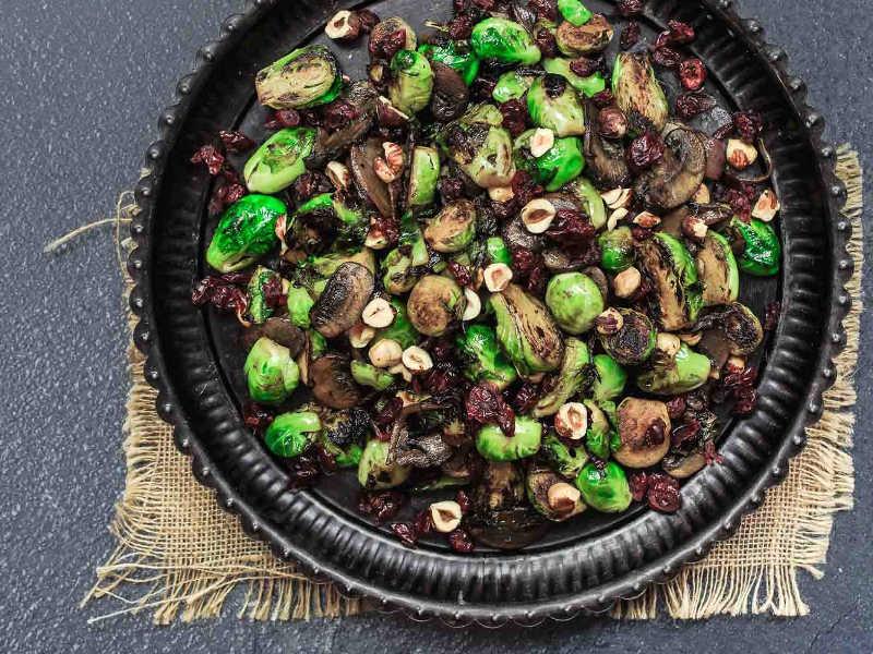 Поджаренная в оливковом масле брюссельская капуста