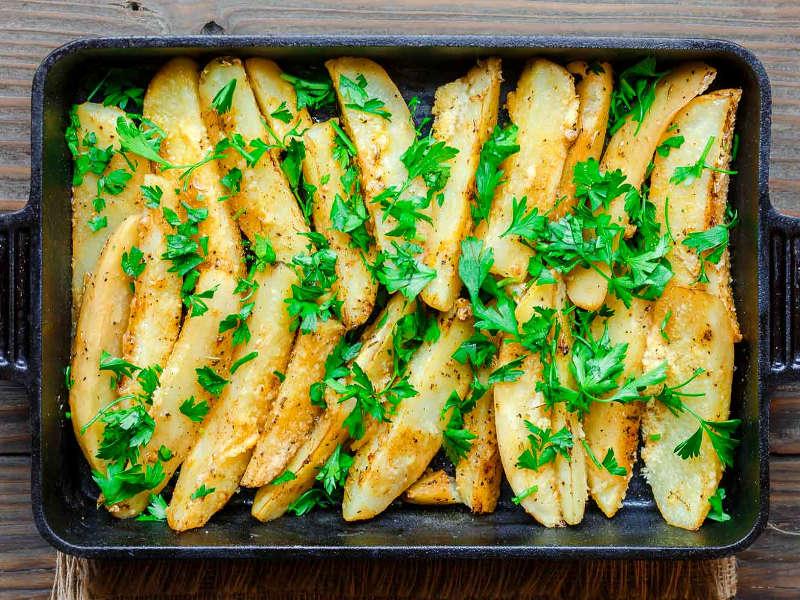 Поджаренный картофель с оливковым маслом