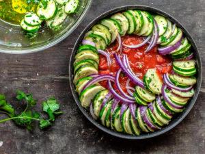 жареные овощи с оливковым маслом