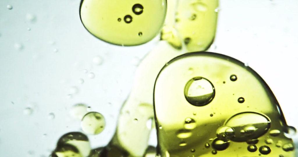 Оливковое масло богато полезными для здоровья жирами